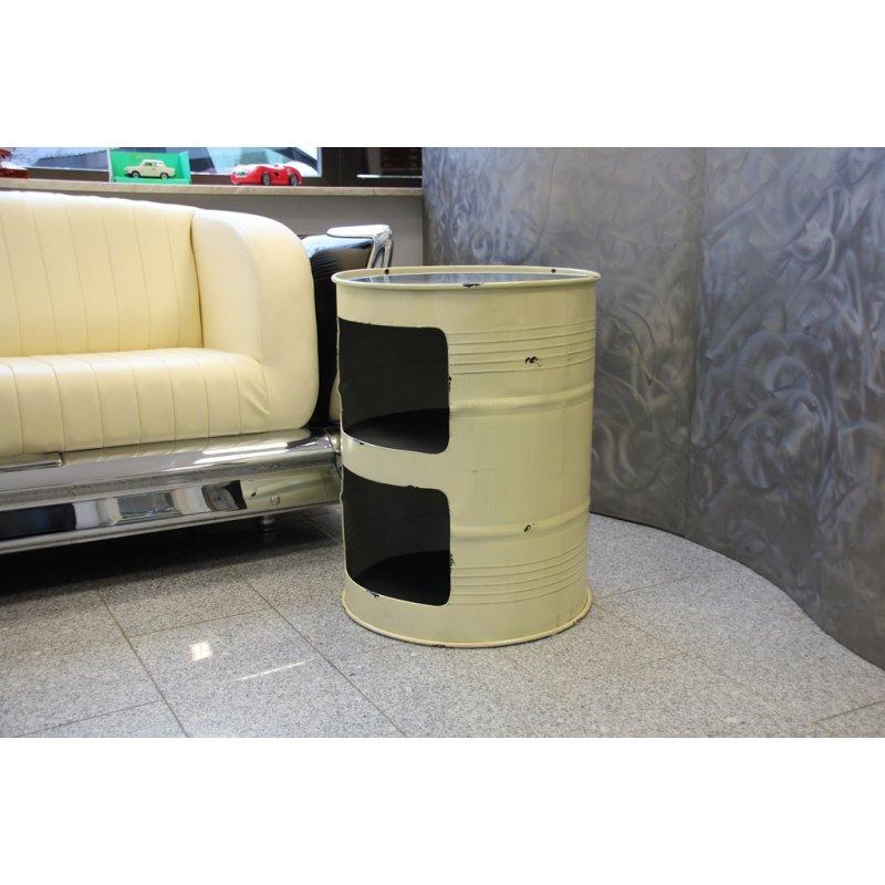 altes oelfass mit uhr als tisch creme 199 90. Black Bedroom Furniture Sets. Home Design Ideas