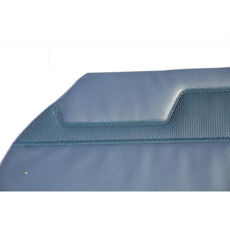 blaue t rverkleidungen f r mercedes w110 oldtimer. Black Bedroom Furniture Sets. Home Design Ideas