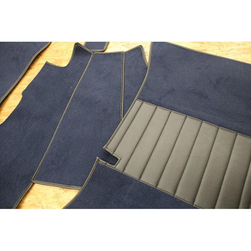 blauer teppichsatz velours teppich f r mercedes w108 schaltwagen. Black Bedroom Furniture Sets. Home Design Ideas