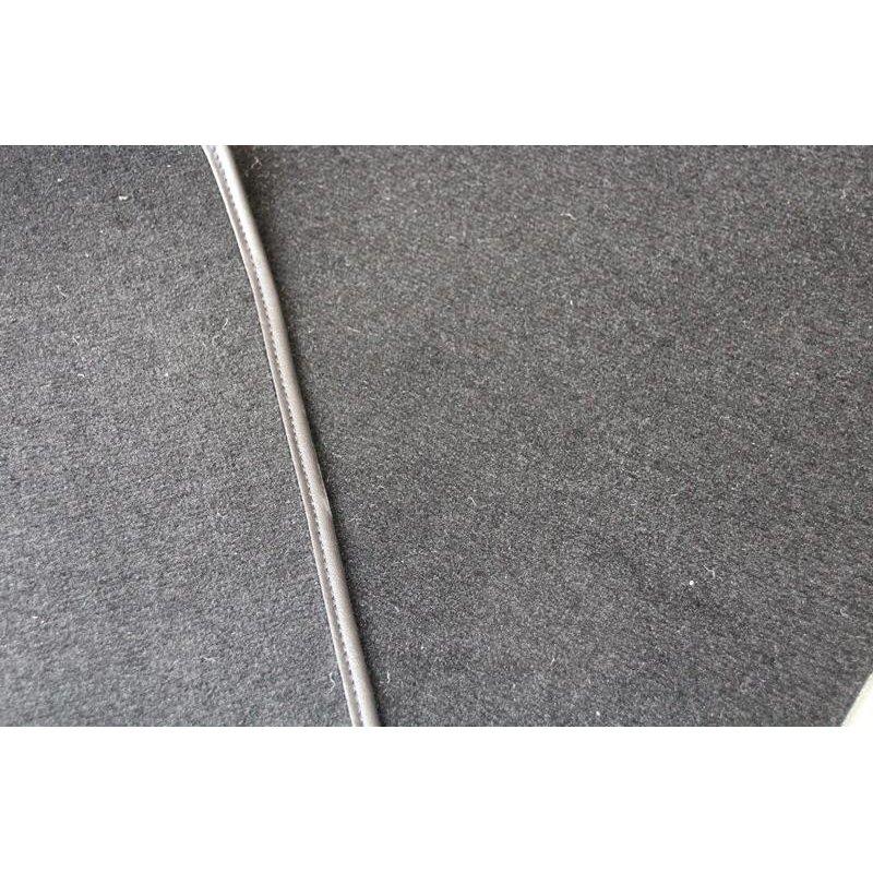 schwarzer teppichsatz teppich velours f r mercedes r107 kof. Black Bedroom Furniture Sets. Home Design Ideas