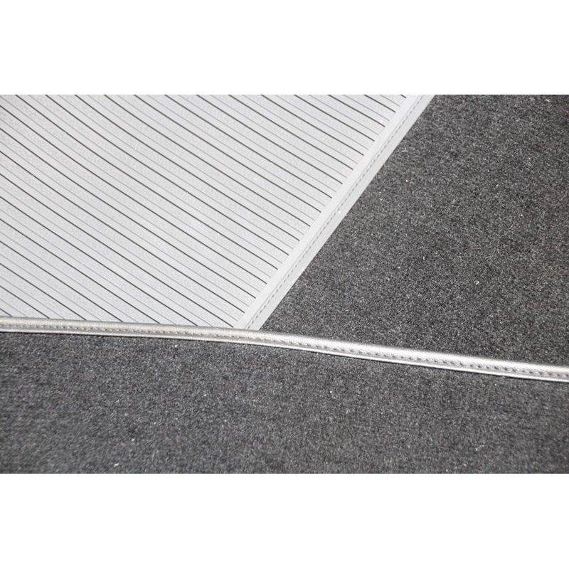 schwarzer teppichsatz velours teppich f r mercedes w108 autom. Black Bedroom Furniture Sets. Home Design Ideas